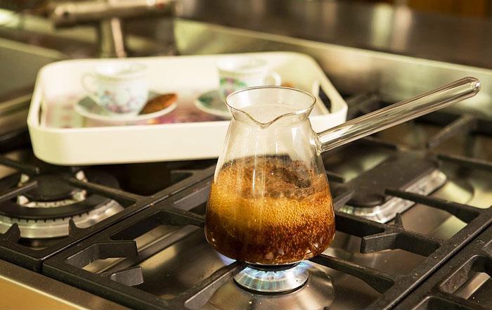 кофе в стеклянной джезве