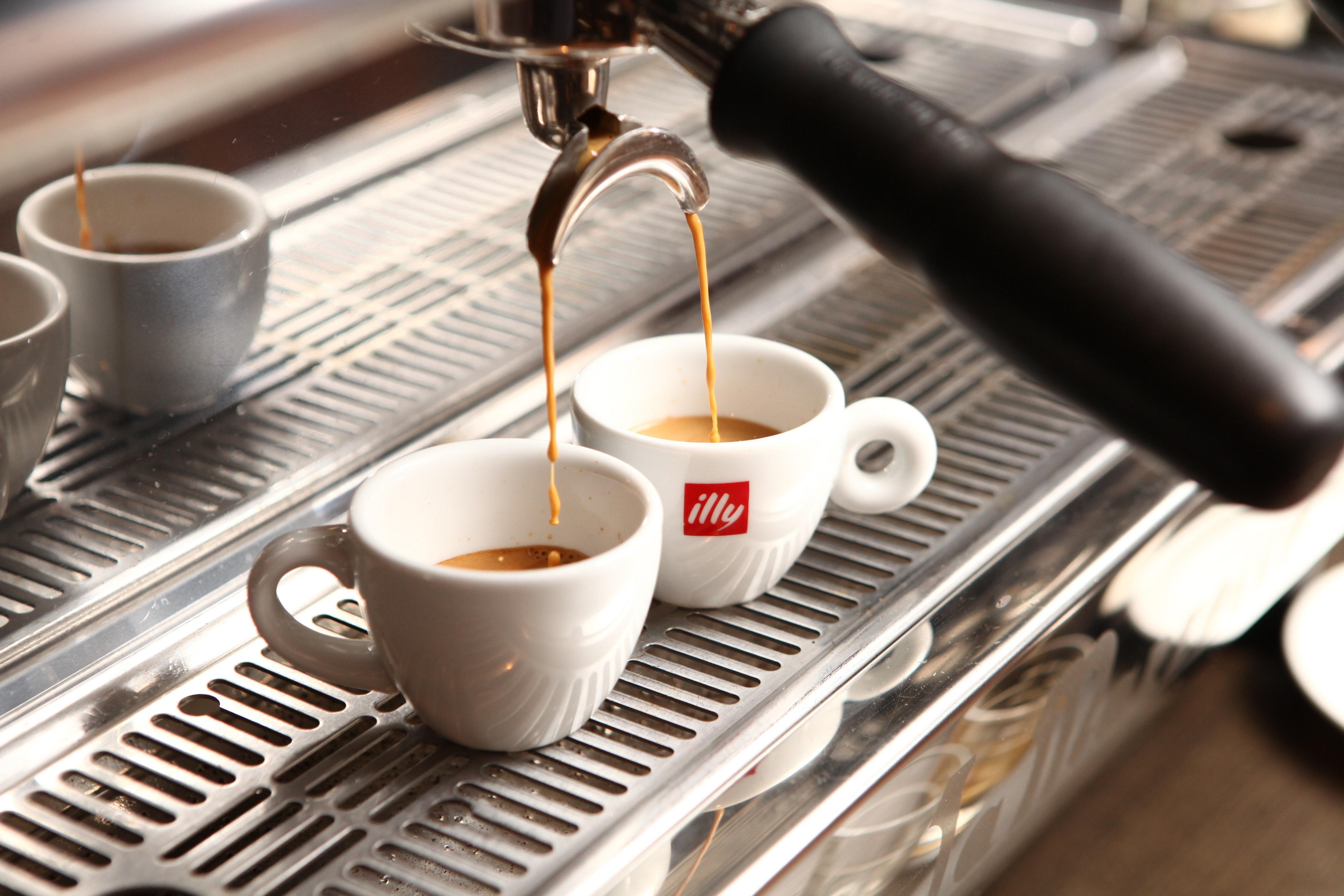 Кофе Illy - история создания кофейного Хогвартса. Философия бренда, описание, вкус и отзывы экспертов